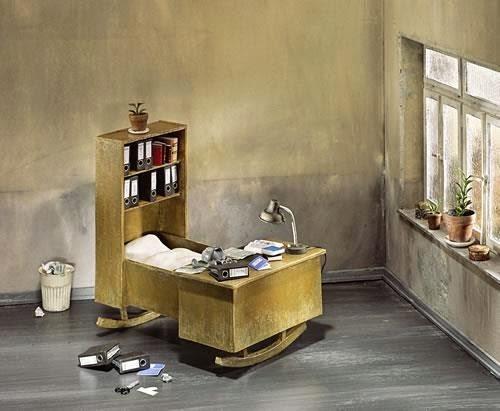 08-Frank-Kunert-Confronting-our-Lives-in-Miniature-Sculptures-www-designstack-co