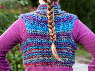 "alt=""Katia Inca, knitted shrug, drops pattern, colete tricot"""