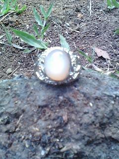 Batu Cincin Biduri Bulan Ceylon