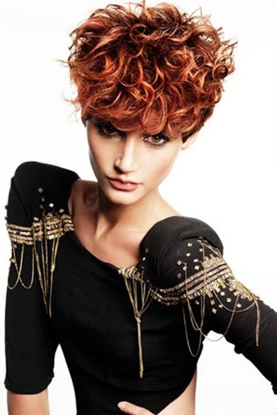 el pelo corto se adapta a muchas formas de rostros y tus rizos siguen las tendencias de la a seducir con tu cabello corto y scale