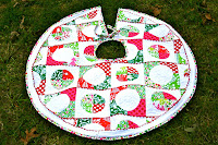 Retro Style Christmas Tree Skirt Tutorial