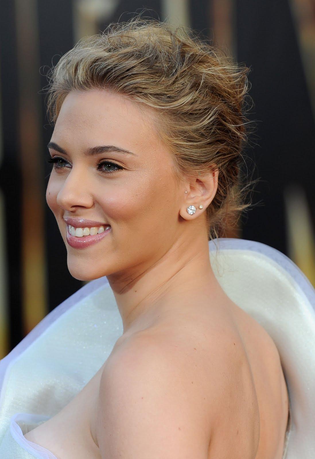 http://2.bp.blogspot.com/-Bbs2M_zFZIk/TgRm2THrjnI/AAAAAAAAFD0/SHI8Irtvp_U/s1600/Scarlett-Johansson-10.jpg