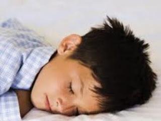 طرق مفيدة لوضع الطفل في الفراش,طفل نائم,sellping child kid boy