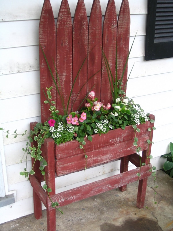 Dishfunctional Designs Picket Fences Salvaged Amp Repurposed