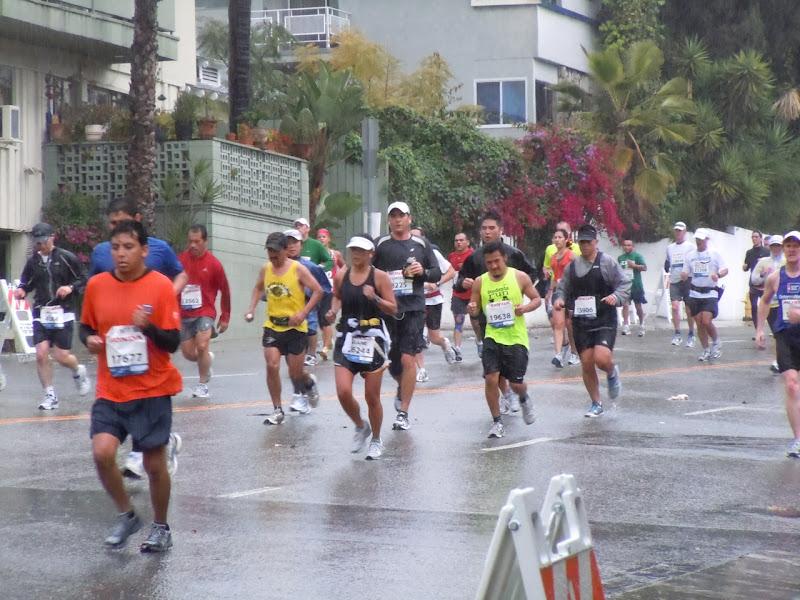 Rainy LA Marathon 2011 San Vicente Blvd