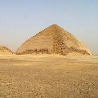 Pirâmide torta de Dahchur
