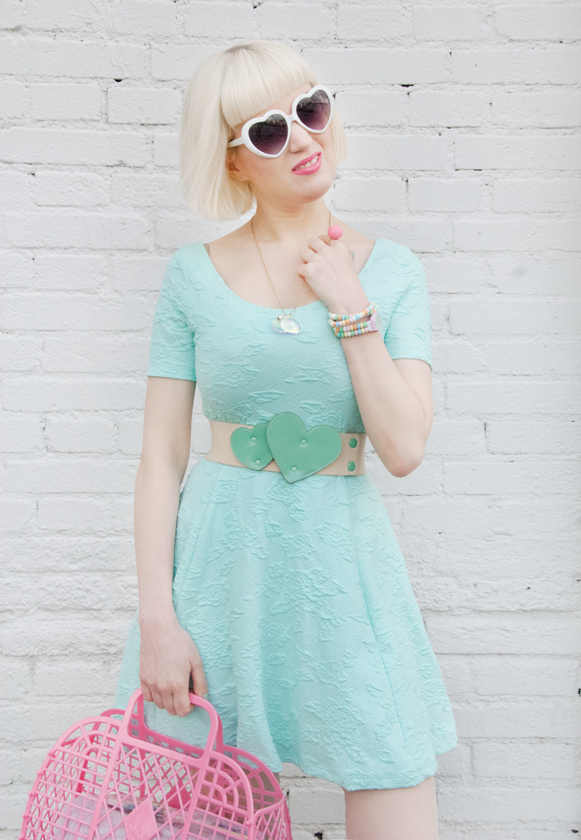 mint dress, pastel look, mermaid outfit