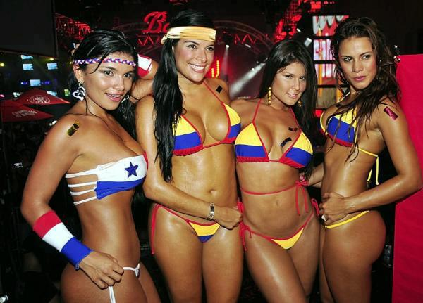 Beach fashion colombian hot girl for Bikini club barcelona