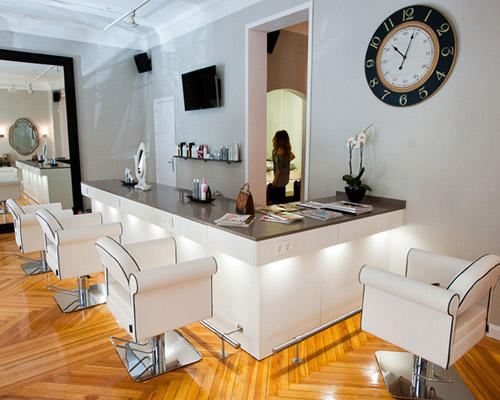 Blow dry bar en madrid silvia quir s - Barras de bar para salon de casa ...