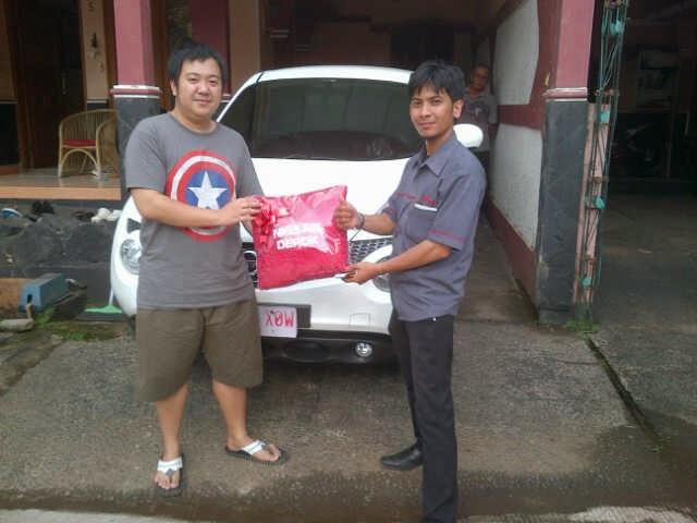 Terimakasih atas kepercayaan Pak Angga yang telah membeli Juke Red Interior CVT melalui media www.touchnissan.com.  Semoga Berkah ya Pak...