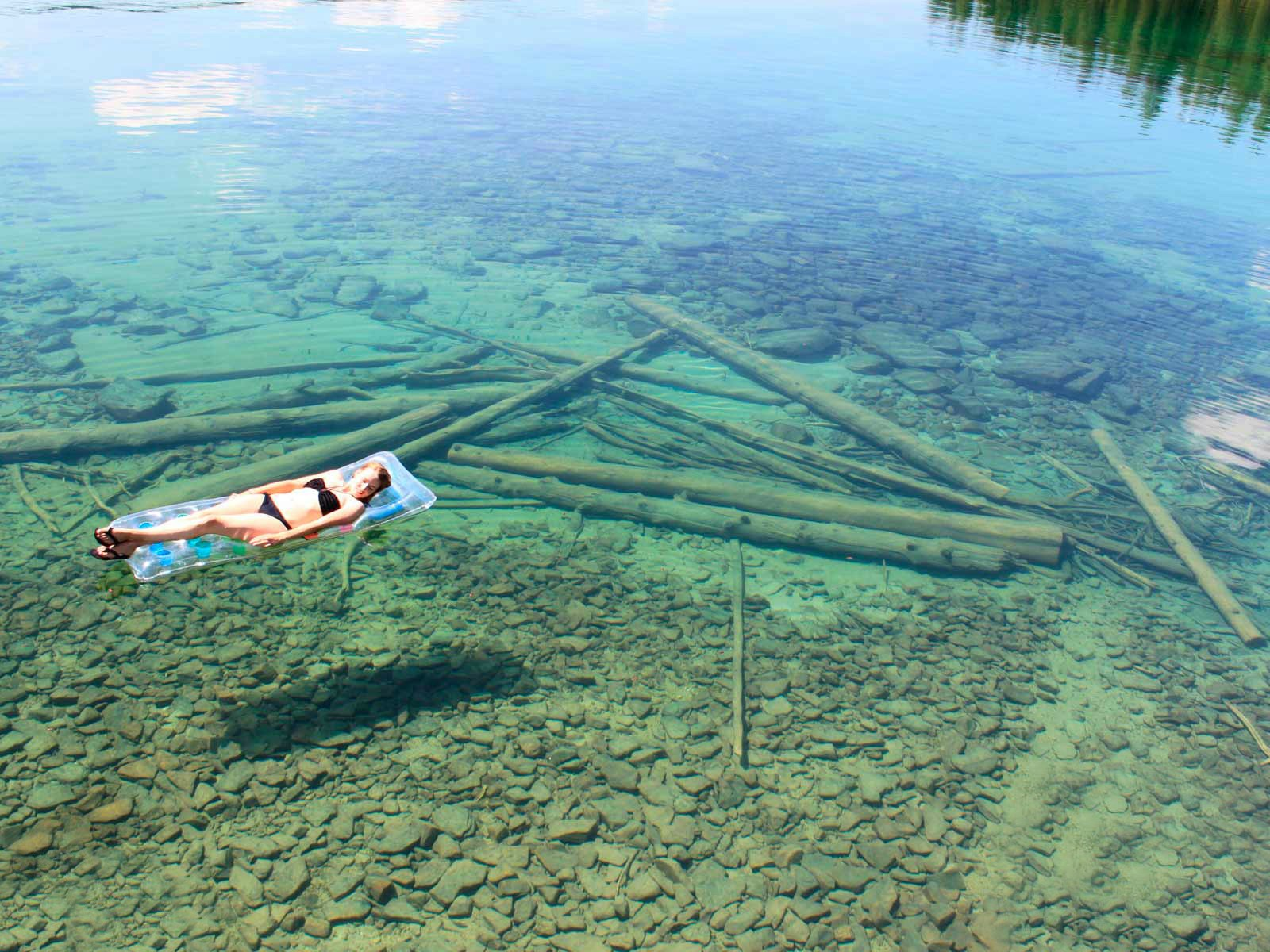 The Crystal Clear Water  Flathead Lake In Montana