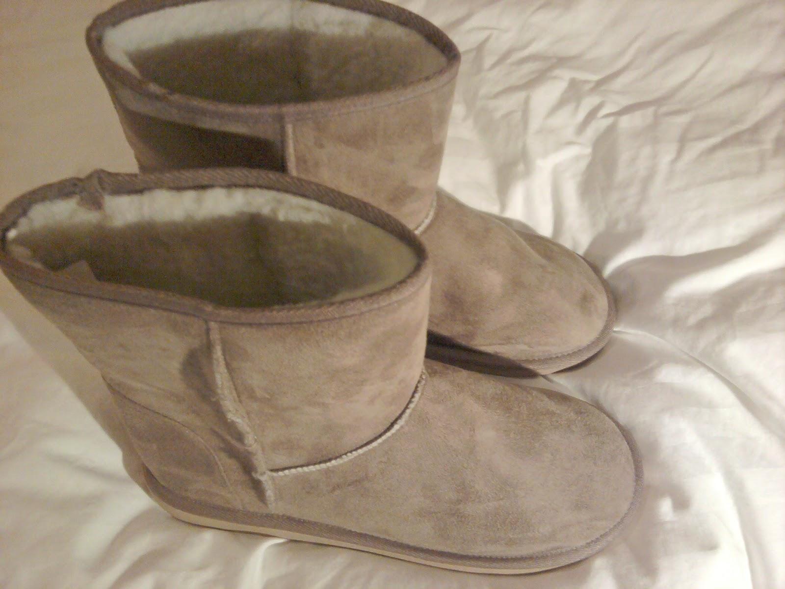 http://2.bp.blogspot.com/-Bclvypgu-fA/T3WFabzz6hI/AAAAAAAAALg/mhkGw-_E7Xo/s1600/boots.jpg