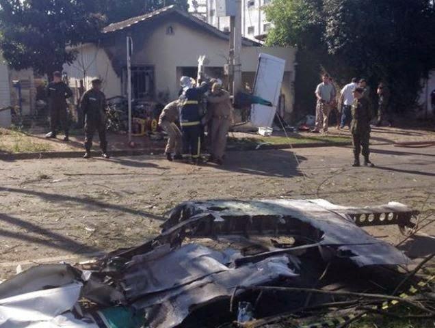 Monomotor caiu em Curitiba