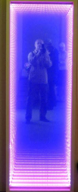 Читатели должны знать своих авторов: эксклюзивное фото моей персоны с экспоната Книжного Арсенала)