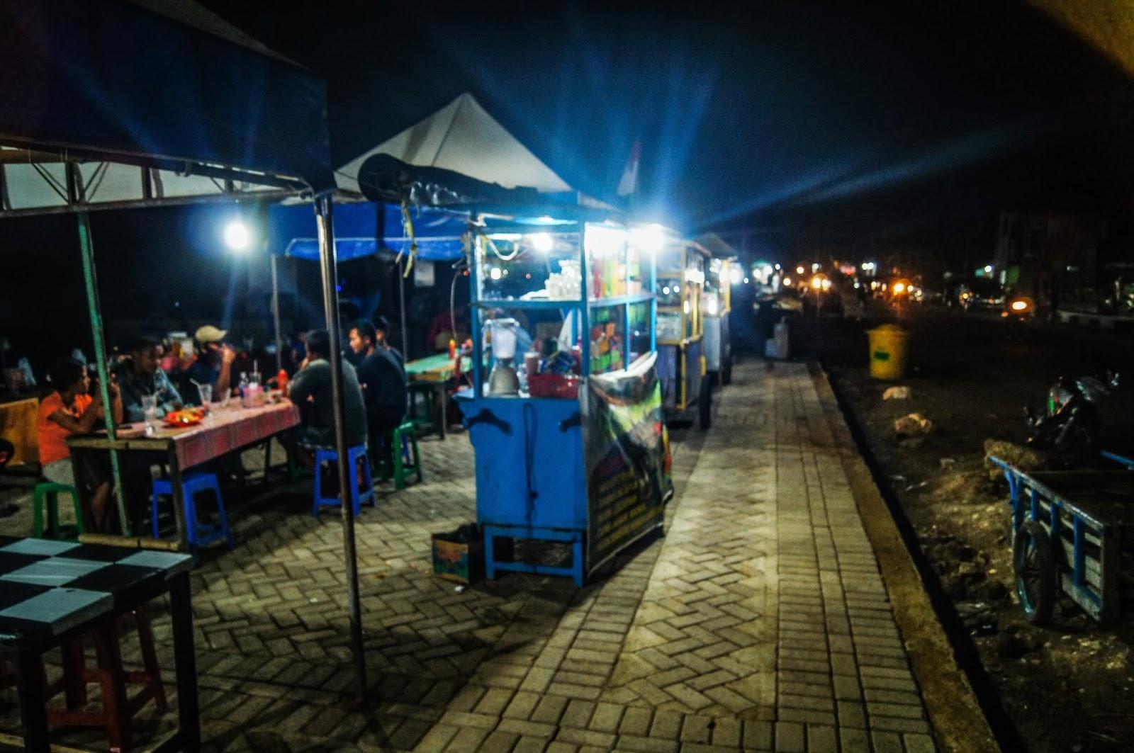 puestos de comida en Labuanbajo