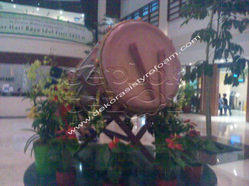 Dekorasi styrofoam bedug lebaran for Dekorasi lebaran hotel