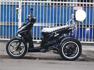 beat roda tiga dengan konsep MASTER CHEST , dikarenakan pemilik motor  title=
