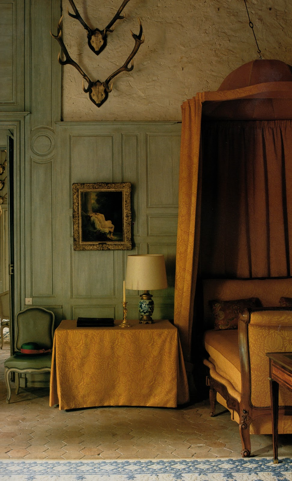 Genus loci the warmth of terra cotta for Photos of bedrooms around the world