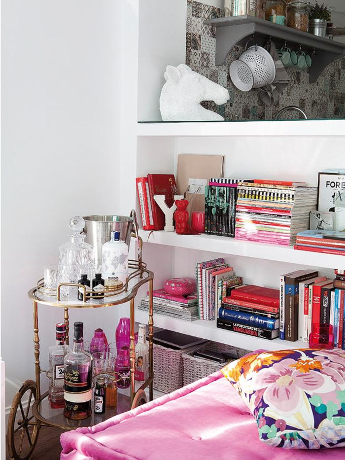Deco an apartment with feminine air with or without shoes blog influencer moda valencia espa a - Carrito bebidas ...