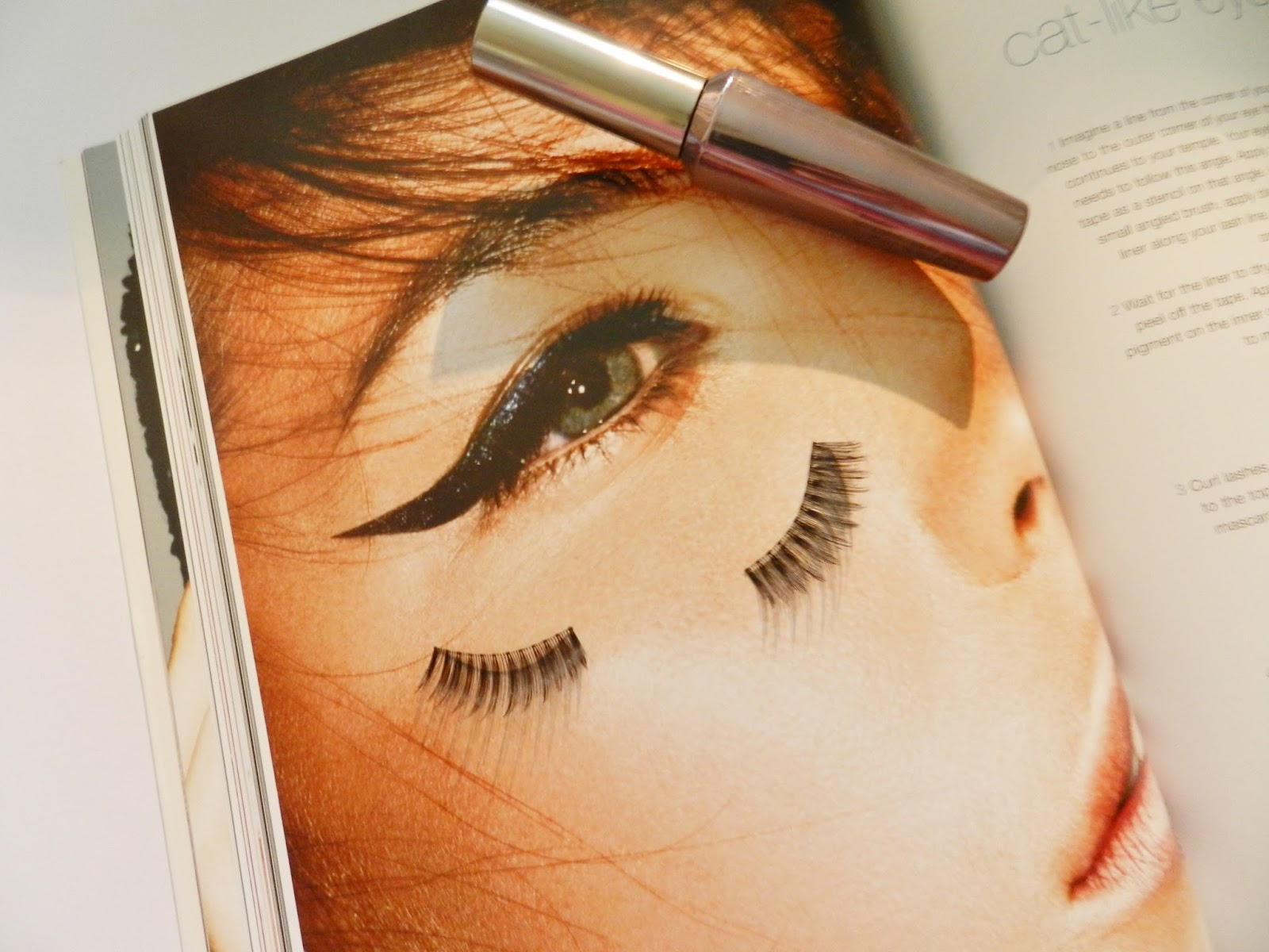 http://www.ellenrozalia.com/2015/04/eyelash-extensions-are-they-really.html