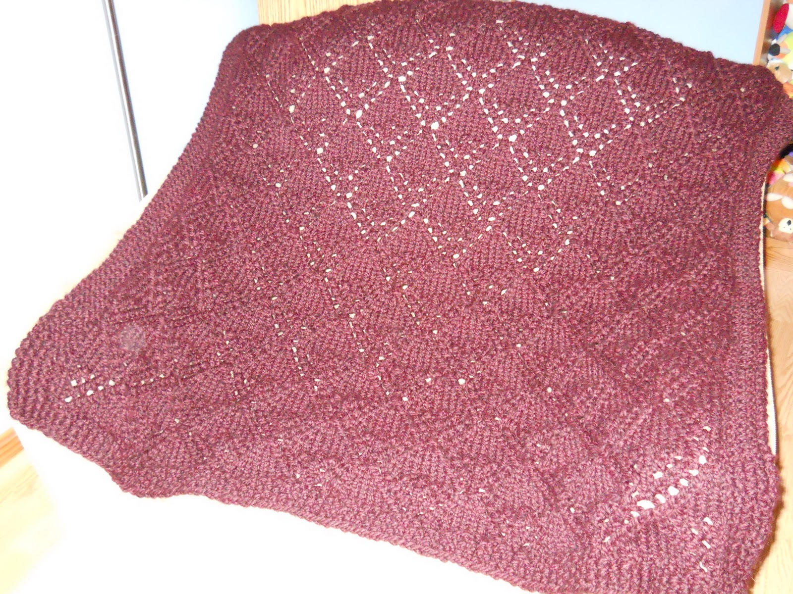 Afghan Hat Knitting Pattern : Knitting with Schnapps: Week 4 - Hats & Afghan Finished!