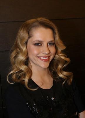 Teresa Palmer Hairstyle