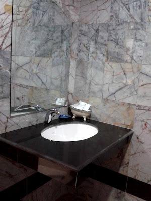 Restroom in Nokyungthong Hotel