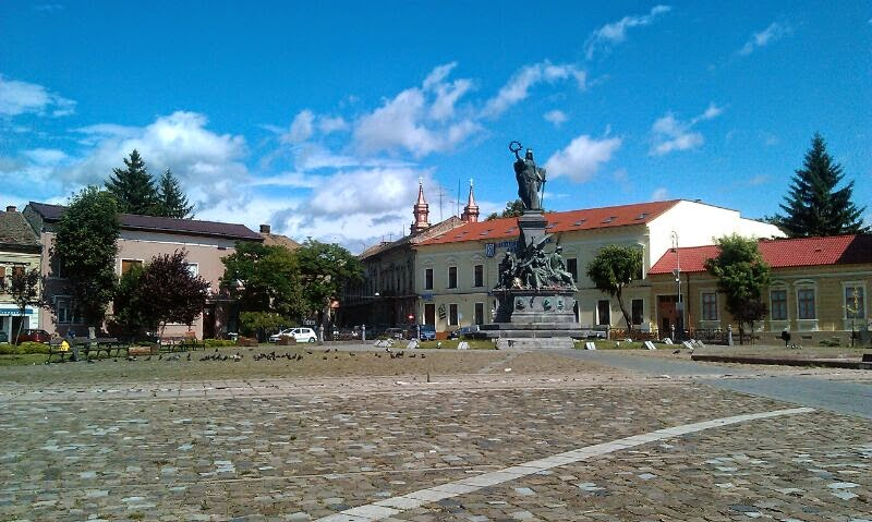 Arad Statue