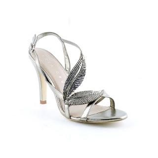 Sandalia de Lola Cruz en plata