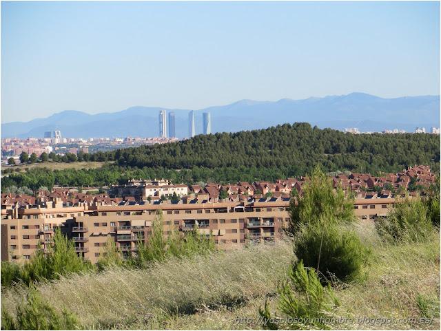 Panorámica de Rivas, Madrid y la sierra al fondo
