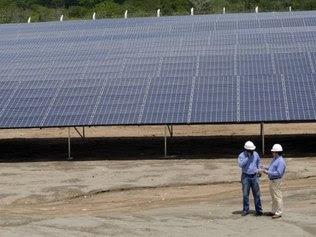 painéis fotovoltaicos da usina solar MPX Tauá