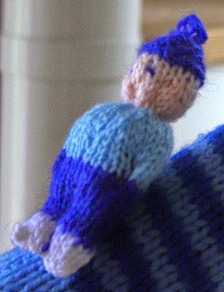 mini poupée tricot
