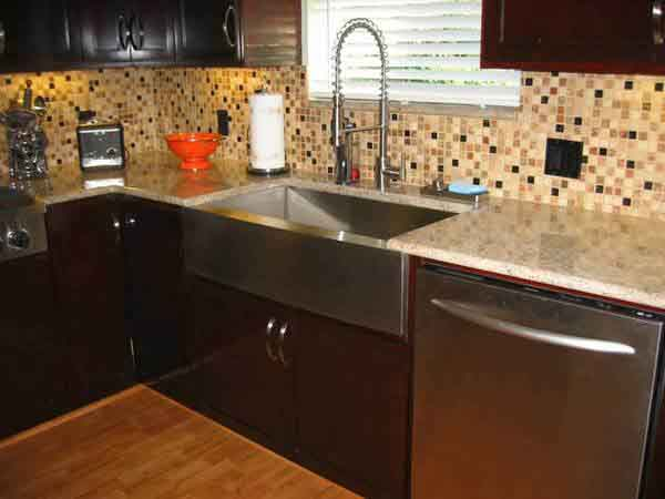 Backsplash Idea for Dark Cabinets @ The Kitchen Design