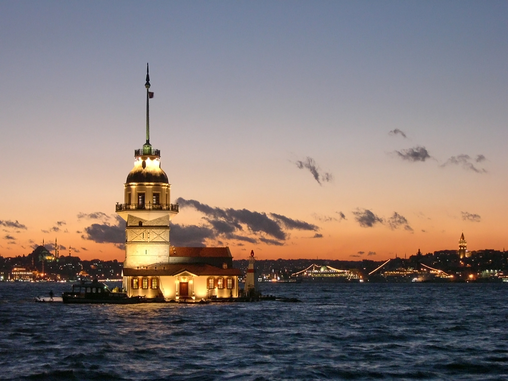 http://2.bp.blogspot.com/-Be_SL3KDZzg/TV2pDHlI3ZI/AAAAAAAAA9E/MdtO5ycuFH0/s1600/Istanbul-Wallpaper_18220115.jpg