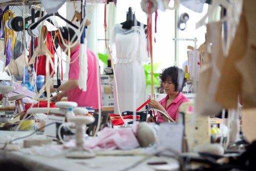 How much do fashion designers earn uk 76