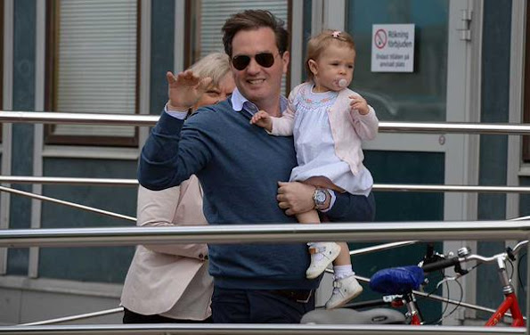 Princess Leonore of Sweden visited her newborn brother at hospital