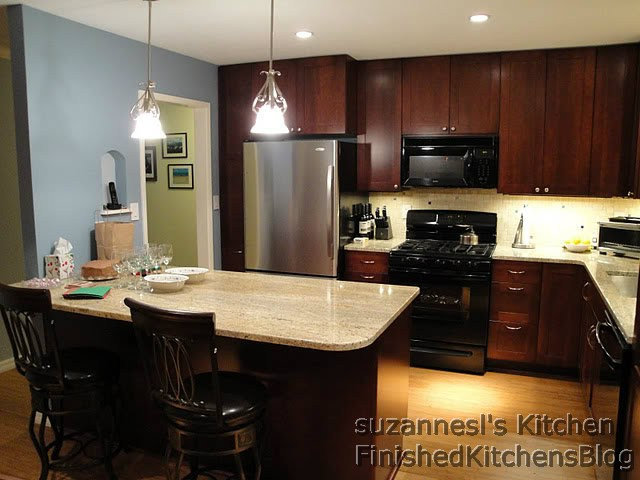 Finished kitchens blog suzannesl 39 s kitchen for Finished kitchen cabinets