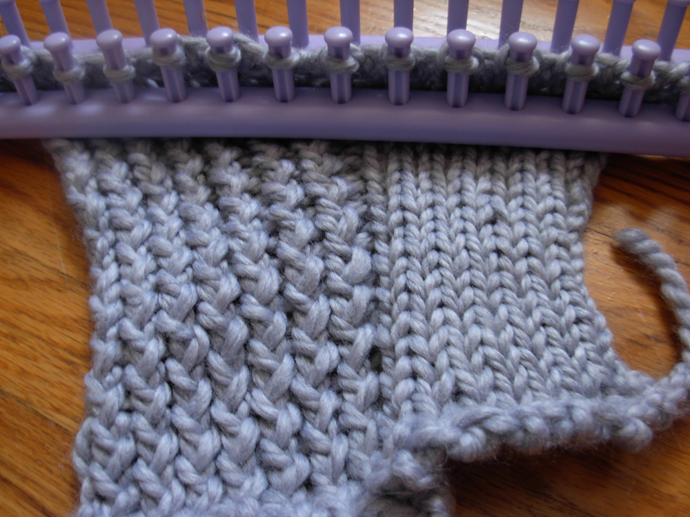 Knit And Purl Stitch On A Loom : The Casual Loom Knitter: Stockinette Stitch