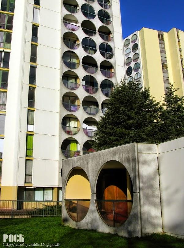 Rennes - Square de Terre-Neuve, 2 à 6, 10 et 11  Architecte: Georges Maillols  Construction: 1970