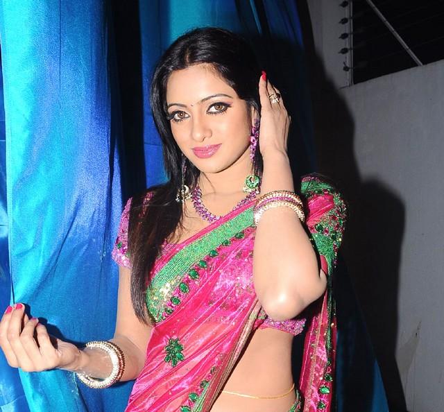 TV anchor Udaya Bhanu Hot Photos
