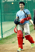 Ram Charan Tej Cricket Practice photos Stills gallery-thumbnail-5