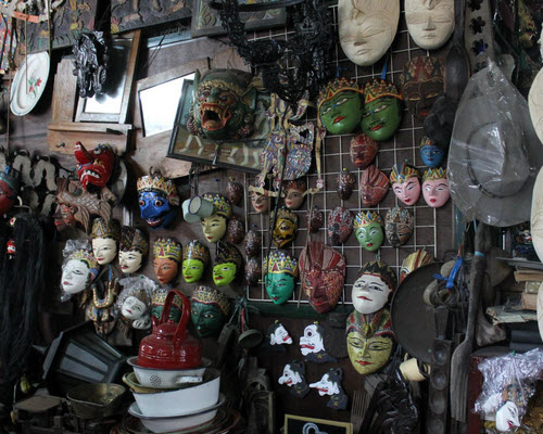 Pasar Triwindu, Solo