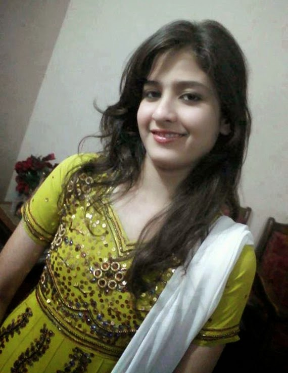 Cute Lovely Pakistani Beautiful Girls Hot Photos
