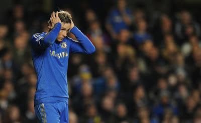 Fernando Torres vê a titularidade ameaçada no Chelsea