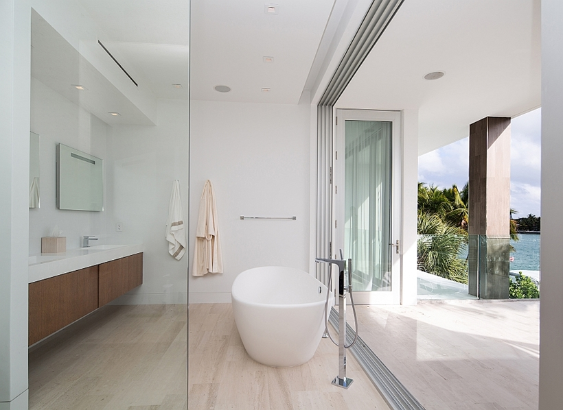 Modern bright bathroom