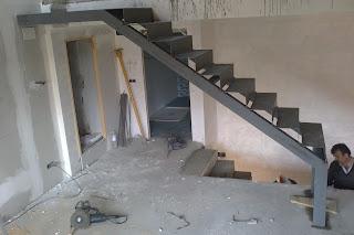Talleres montiel escalera metalica para forrar de madera - Como forrar una escalera de madera ...