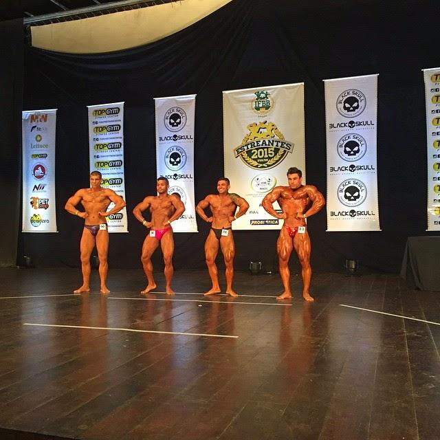 William Soares durante apresentação no Campeonato Estreantes 2015 da IFBB-RN. Foto: IFBB-RN