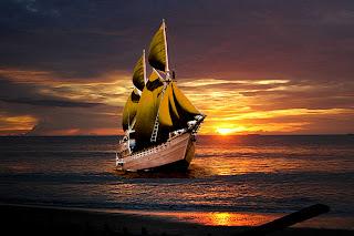 Perahu Layar Senja