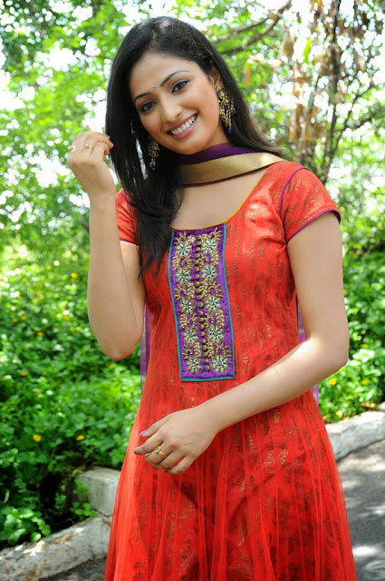 haripriya beautiful dress wallpapers