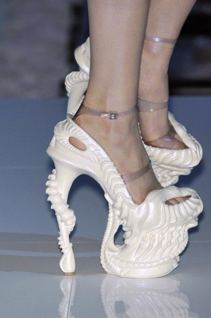 Weird Heels Fashionate Trends
